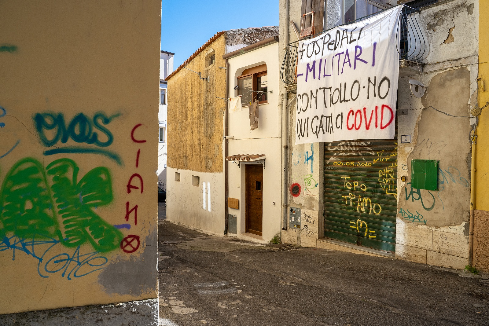 Striscione esposto presso la sede dello Spazio Antifascista